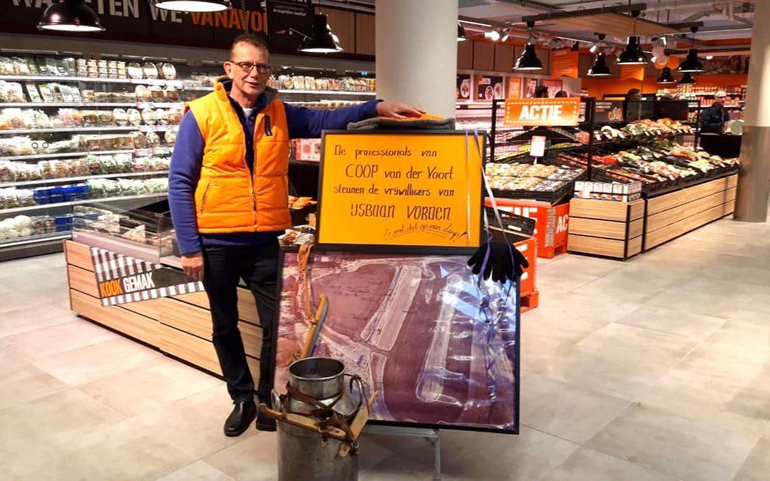 Coop Van Der Voort helpt IJsbaan Vorden aan forse schenking